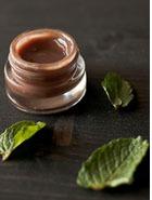 Делаем сами: Блеск для губ с шоколадом и мятой