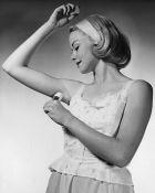 Руки вверх: польза и вред антиперспирантов