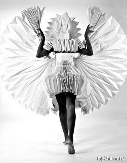 Бумажные платья.