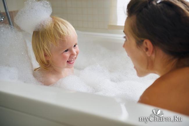 Студентка принимает ванную в чем мать родила  500265