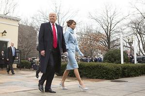 Трампы заняли Белый дом. Мелания была неотразима