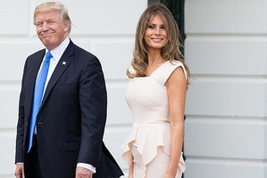 Мелания Трамп в элегантном платье-футляре