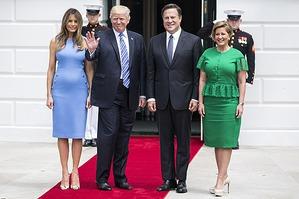Мелания Трамп снова всех затмила на приеме в Белом доме