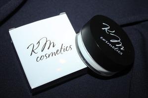 Невесомый эффект базы под макияж от KM cosmetics