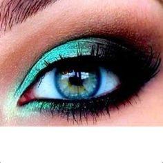 Варианты макияжа глаз для голубоглазиков.