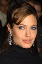 Праздничный образ от Анджелины Джоли