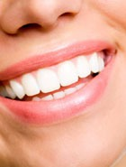 Отбеливаем зубы перекисью водорода
