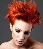 Яркий цвет волос в тренде: Как его сохранить?