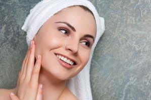 Как ухаживать за чувствительной кожей лица весной