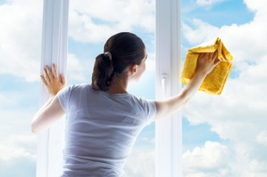 А вы чем окна моете?