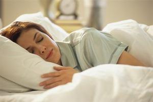 Почему нужно спать при полной темноте и что скушать чтобы уснуть!