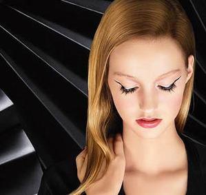 «Винил» - новая коллекция макияжа от Givenchy, Осень-Зима 2015