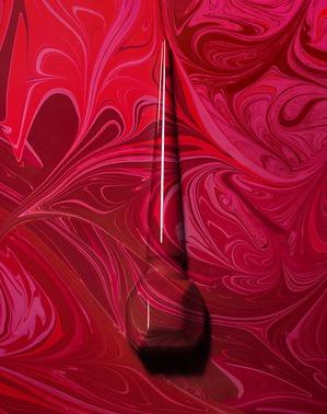 Christian Louboutin выпускает три новых красных оттенка для маникюра