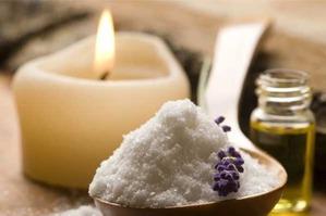 Соль вам в помощь: как применять соль в домашней косметологии?