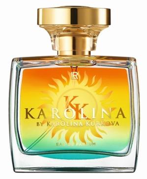 Известная чешская топ-модель Каролина Куркова представила свой новый парфюм в России