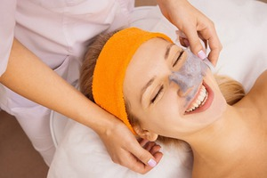 Уход за кожей осенью: 5 отбеливающих масок для лица.