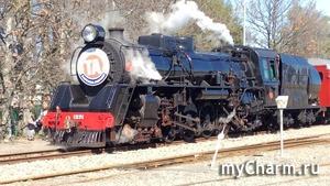 Ретро поезд сороковых годов прошлого века в нашем городке