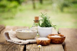 Морская соль для ухода за волосами: ТОП-3 домашних средств.
