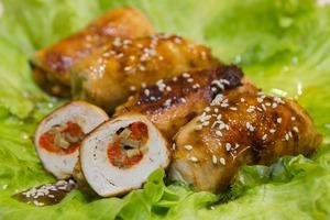 Обалденно вкусные куриные рулетики с грибами, сыром и болгарским перцем! Самая вкусная закуска к праздничному столу