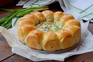 Булочки-роллы с грибным дип-соусом.