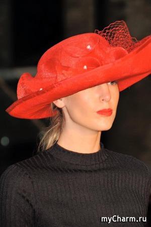 Стильная шляпка - это восклицательный знак, завершающий образ ухоженной женщины.