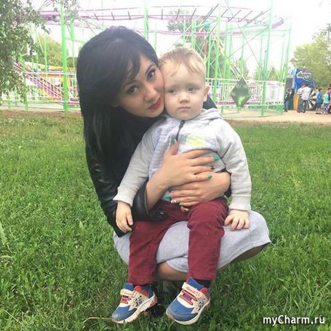 Даниял с мамой