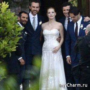 Свадьба Джессики Честейн: платья невесты, Энн Хэтэуэй и Эмили Блант