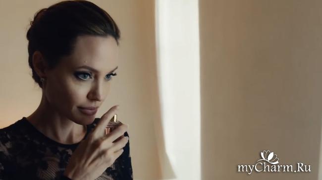 Анджелина Джоли прорекламировала аромат Guerlain