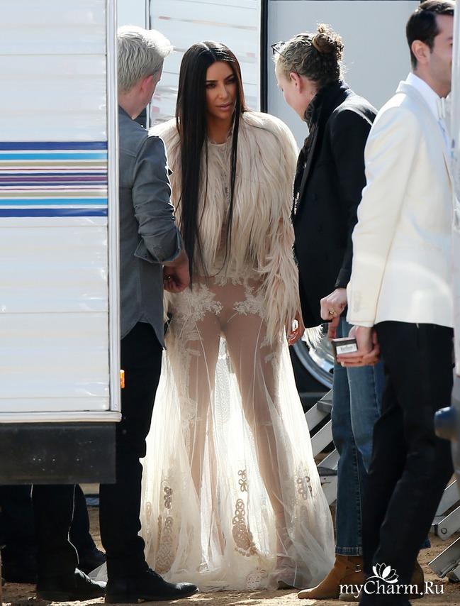 Новое голое платье Ким Кардашян со съемок фильма «Восемь подруг Оушена»