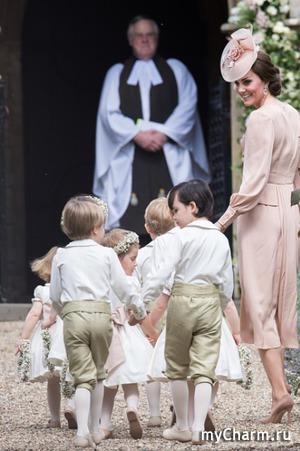 Кэтрин Миддлтон с детьми на свадьбе сестры Пиппы