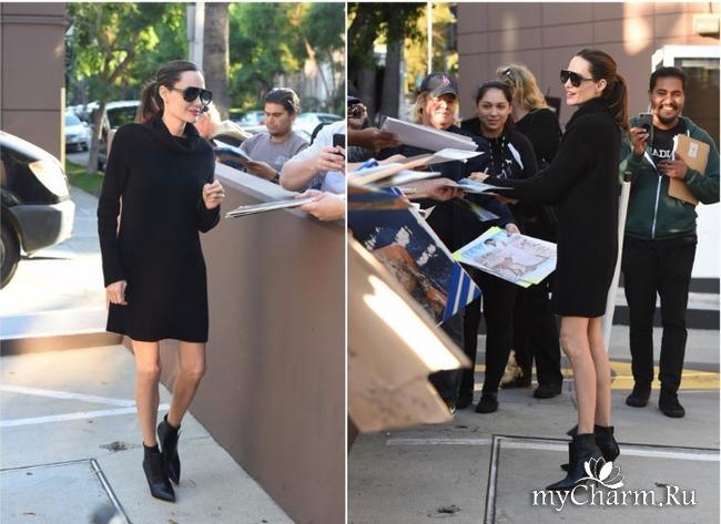 Анджелина Джоли вышла в свет в мини