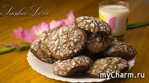 Несколько минут вашего свободного времени и вкусное печенье к чаю готово! Шоколадное, мягкое, рассыпчатое - просто объедение! Рецепт.