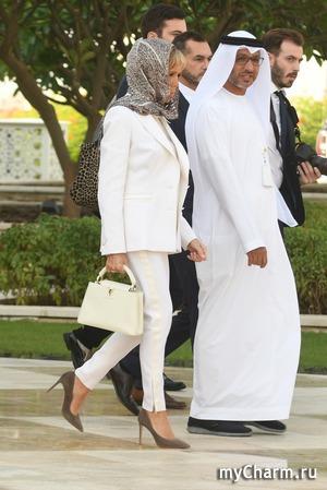 Брижит Макрон очень уместно оделась на Ближнем Востоке