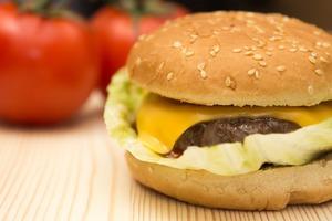 Домашний чизбургер легкого приготовления.