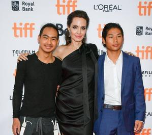 СМИ: приемные сыновья Джоли и Питта ненавидят друг друга