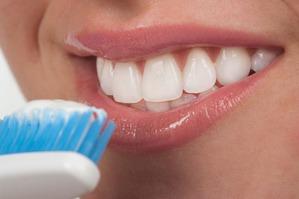 Меры профилактики потемнения зубной эмали