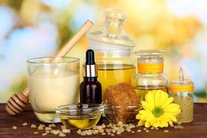 6 эфирных масел, способных заменить лечебную косметику