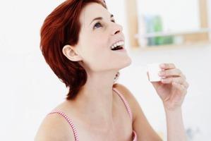 Что лучше для зубов: пенка или ополаскиватель?