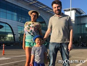 Эвелина Блёданс год как развелась с Семиным