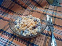 Салат из консервированной фасоли с кукурузой