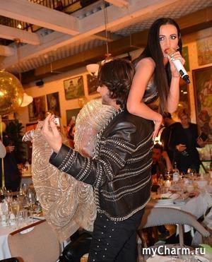 Киркоров носит Бузову на руках (фото)