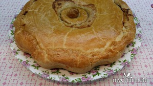 Пирог с курицей, картофелем и сливками.