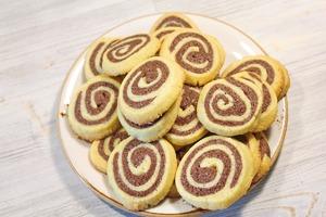 Шоколадно-ванильное печенье. Красивое и очень простое шоколадно-ванильное печенье.