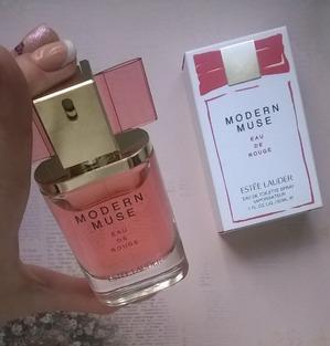 Аромат Modern Muse Eau de Rouge от Estee Lauder