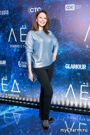 Ирина Безрукова на премьере «Лед» очаровала всех гостей