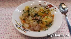 Капуста тушеная с картофелем и мясом или рагу по-домашнему.