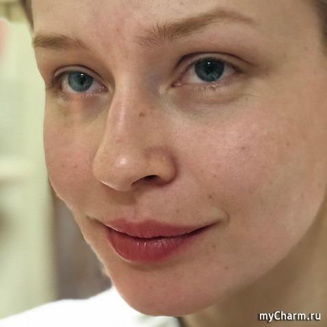 Пересильд сделала честное фото без макияжа