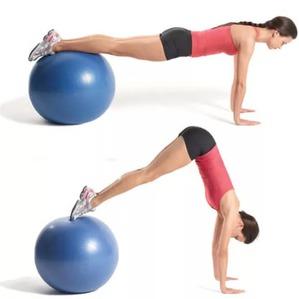 Упражнения с фитболом для бедер и ягодиц