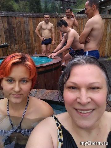 С внучкой принимаем термальные ванны