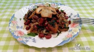 Конкурс 3 в 1. Постный салат из фасоли, с жареными шампиньонами и луком.